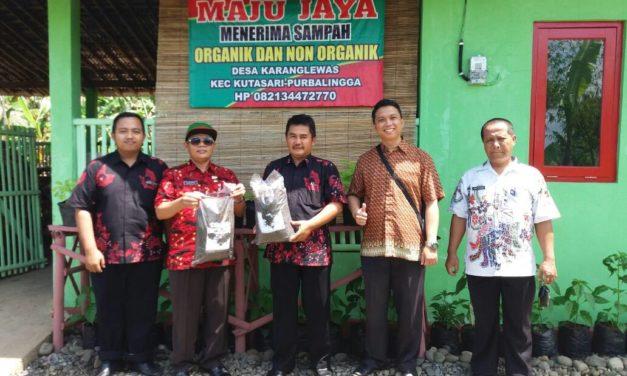 Kunjungan Dinas Lingkungan Hidup Ke Bank Sampah Maju Jaya Desa Karanglewas